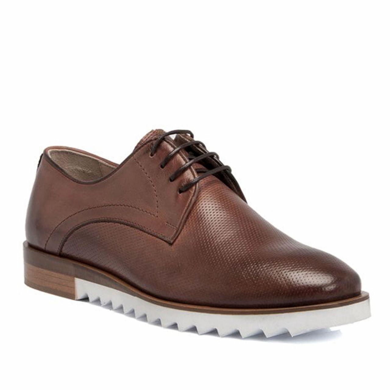 Есенни обувки от перфорирана естествена кожа