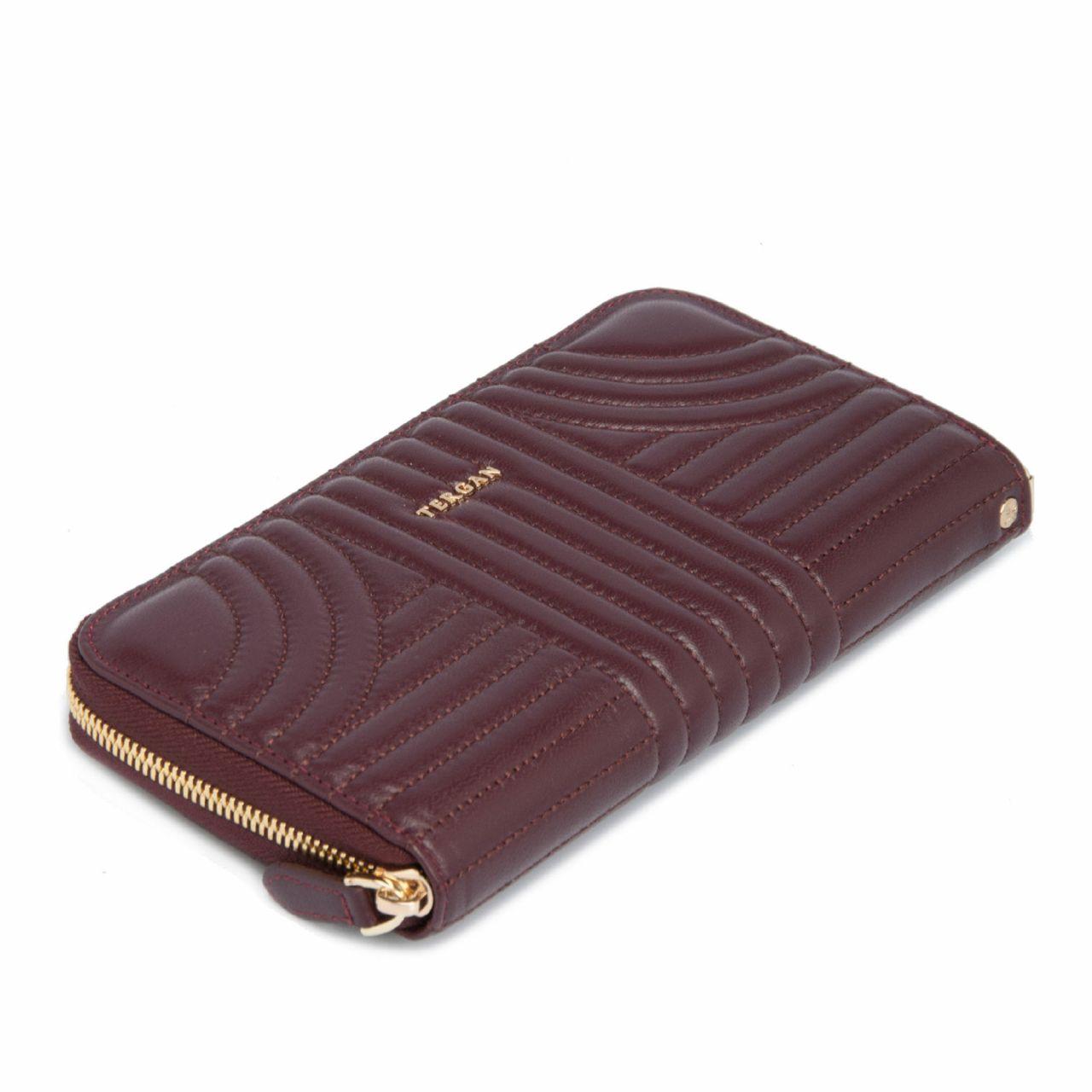 Дамско портмоне с цип в цвят бордо